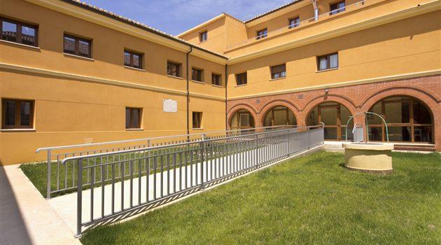 Residencia_Clece_Ciudad_de_Dueñas_Exterior_2