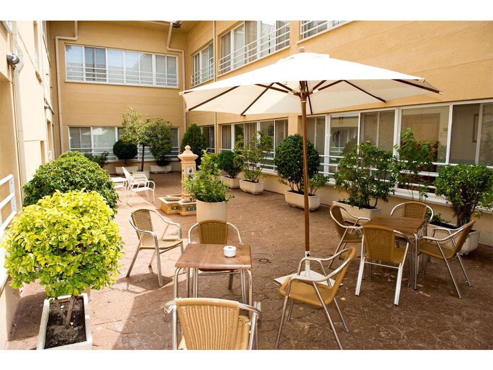 Residencia_Ntra_Sra._de_La_Natividad_-_terraza