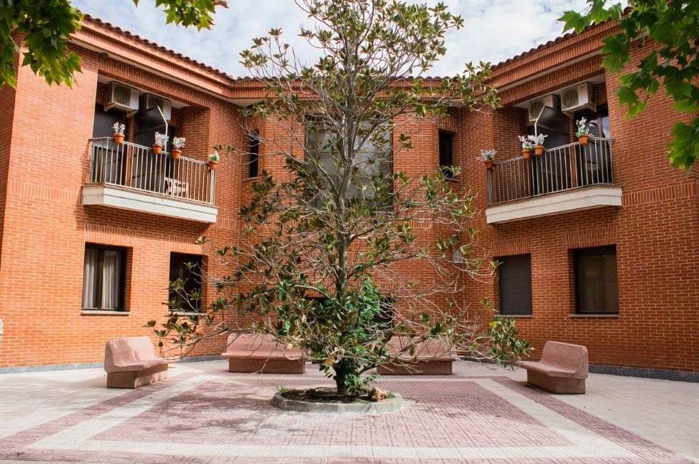 Residencia_Ntra_Sra_De_Gracia_Ajofrin_-_edificio