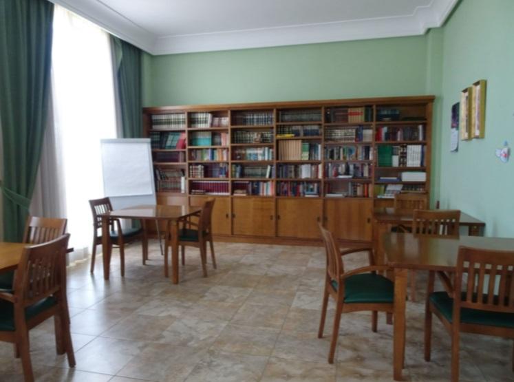 Residencia_Sts_Las_Cármenes_Biblioteca