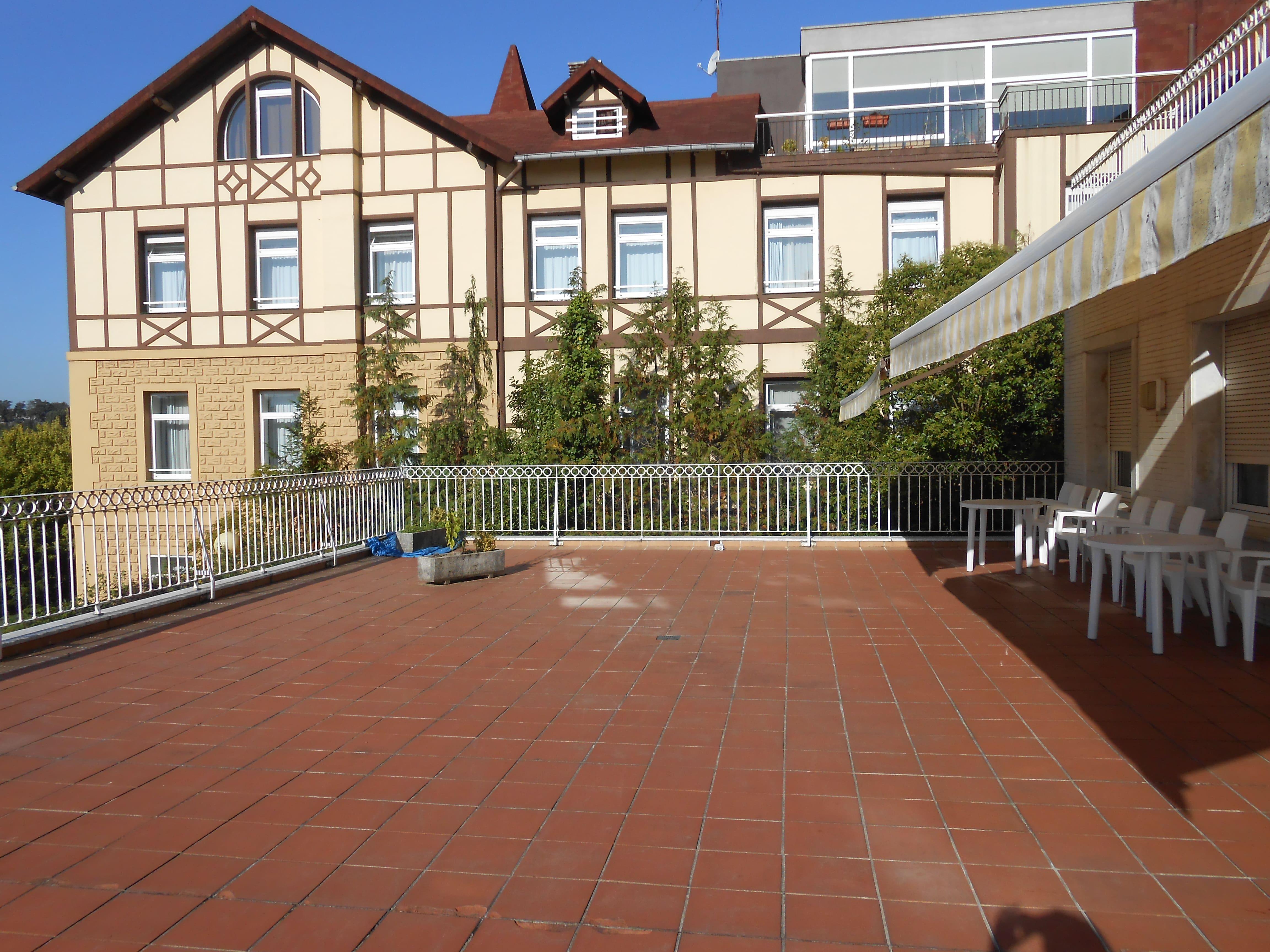 Villa_Residencial_Hermano_Garate_-_Edificio